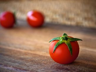 The Evidence-Based Health Benefits Of Tomatoes & Lycopene