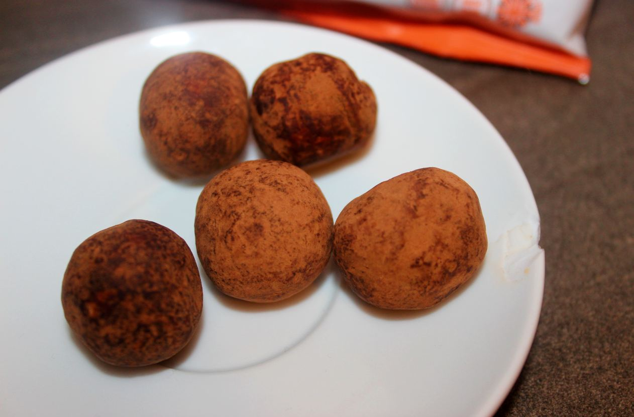 The Protein Ball Co - Cacao & Orange Protein + Vitamin Balls Review