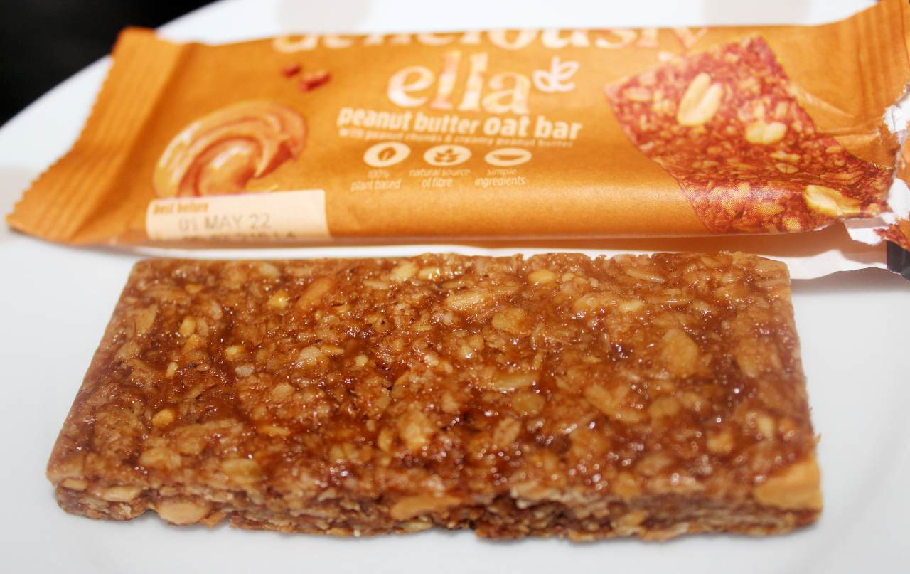 Deliciously Ella Peanut Butter Oat Bars Review